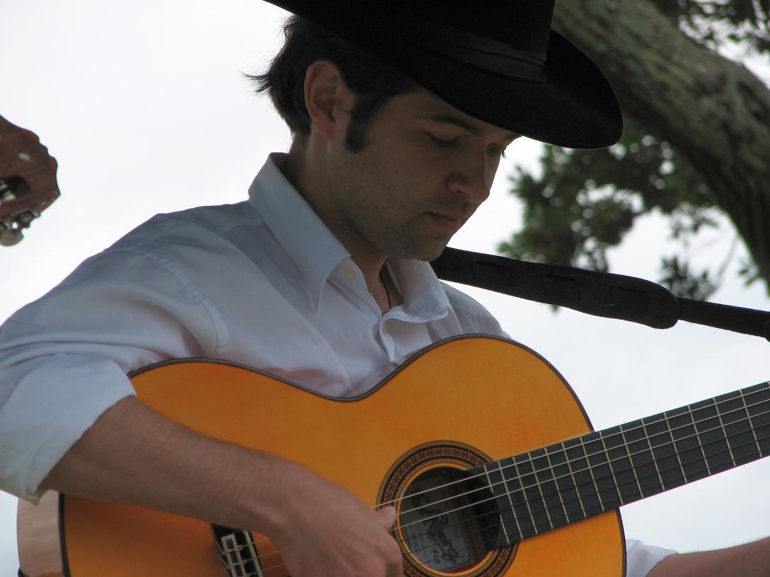 Julio.png 南非吉他手