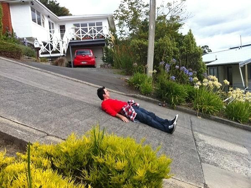 the-steepest-street-in-the-world-baldwin-street-10