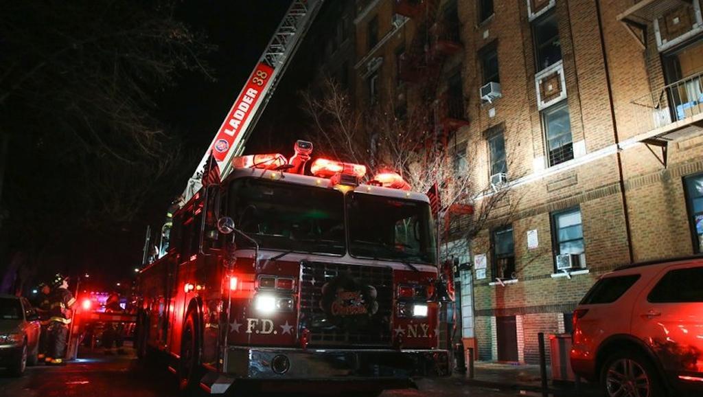 2017-12-29t055955z_1_lynxmpedbs09j_rtroptp_3_new-york-fire.jpg.cf_