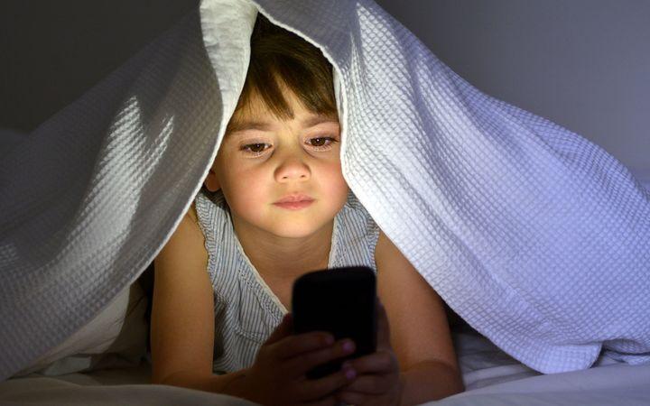 eight_col_Smartphonenight