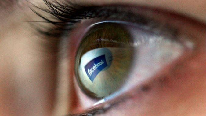 gettyimages-facebook-computer-clickbait-social-media