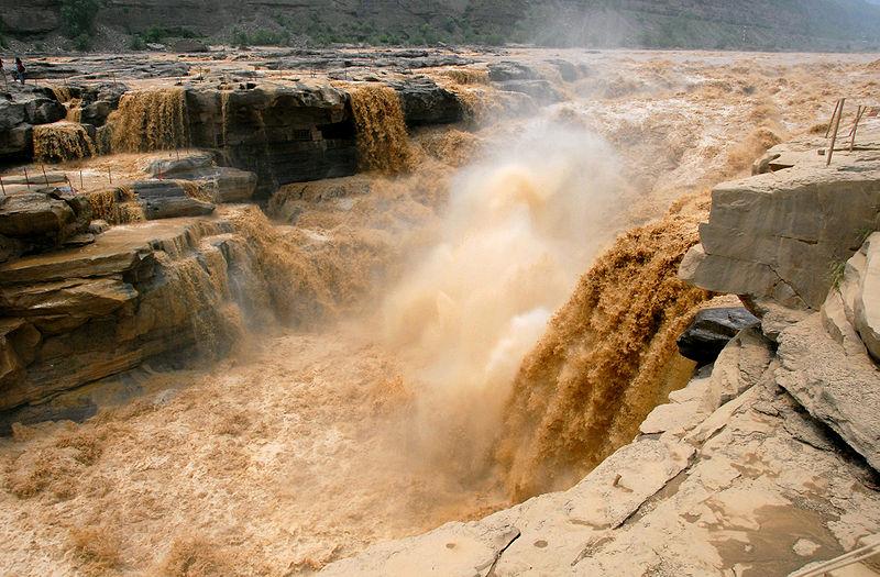 800px-Hukou_Waterfall